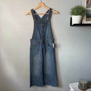 🆕 Gap Cropped Overalls size xl